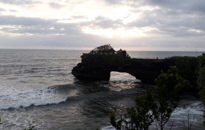 Day 3 di Bali, menikmati Pantai Canggu, Tanah Lot, hingga Jazzy Night di Ryoshi Café