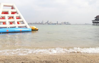 Kesasar di Pulau Khayangan Makassar