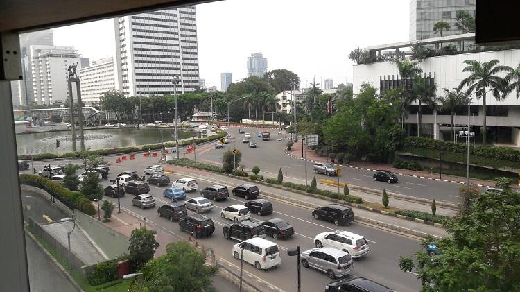 Kembali ke Jakarta, Hidup Idealis dan Berharap Keajaiban Datang