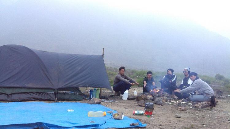 Cadas Gunung Talang Solok Sumatra Barat