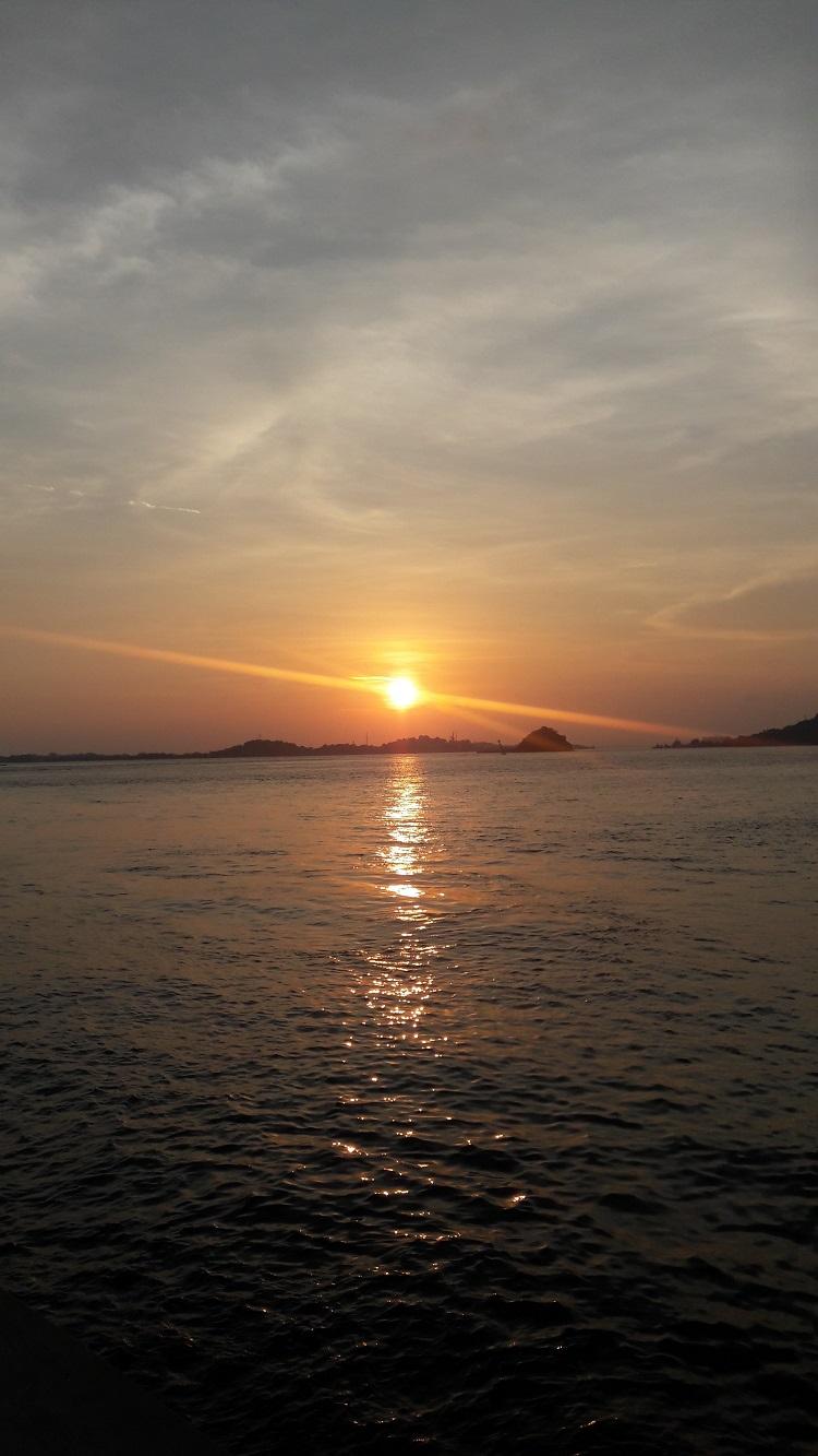 Sunset Pantai Tanjung Pinggir Batam