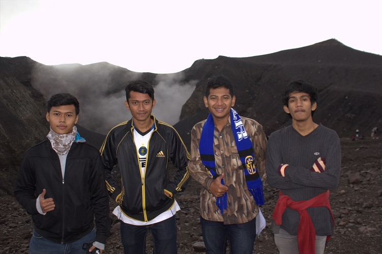 Kawah Gunung Marapi Sumatra Barat